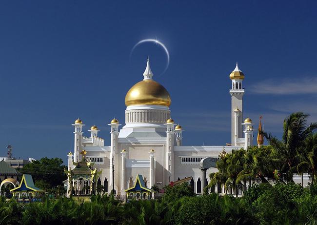 Khách du lịch châu Á ùn ùn kéo đến Brunei để chiêm ngưỡng những địa danh này - hình ảnh 1