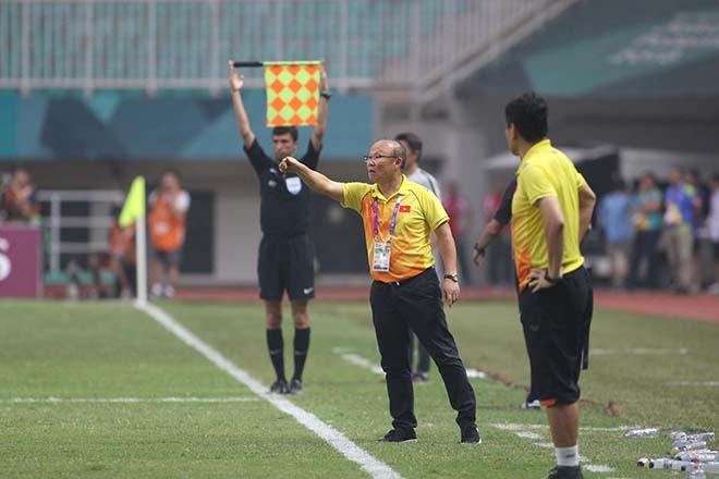 """Park Hang Seo lý giải Xuân Trường """"mất hút"""", muốn thắng UAE trong 90 phút - 1"""
