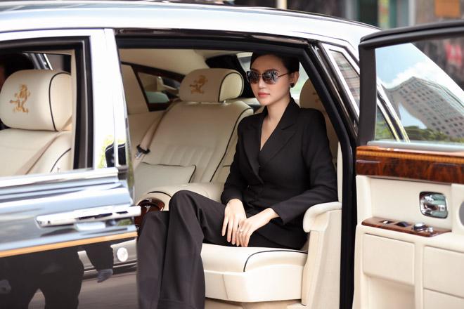 Sau khi cưới đại gia, mỹ nữ Vũng Tàu ở biệt thự, đi 2 siêu xe tổng 120 tỷ đồng - hình ảnh 3
