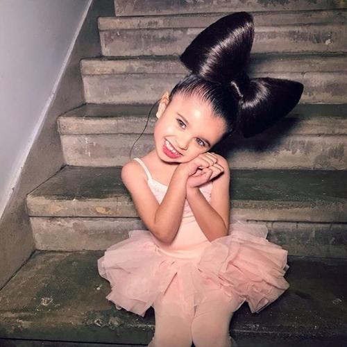 """""""Công chúa tóc mây"""" 5 tuổi gây sốt vì quá xinh - hình ảnh 4"""