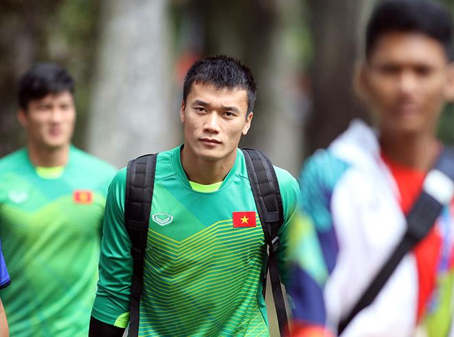 """U23 Việt Nam đấu UAE tranh HCĐ ASIAD: Đi tập cũng gây """"sốt"""" ở Indonesia - 6"""