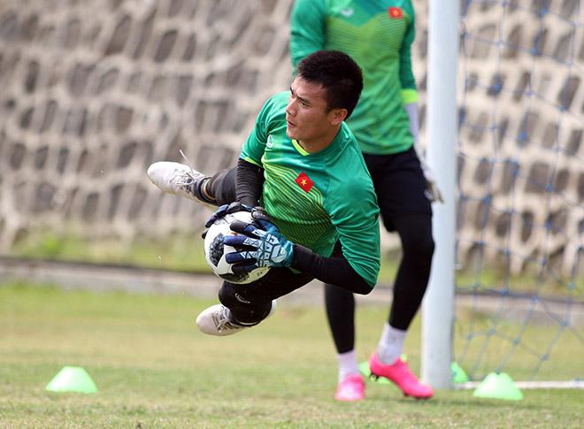"""U23 Việt Nam đấu UAE tranh HCĐ ASIAD: Đi tập cũng gây """"sốt"""" ở Indonesia - 12"""