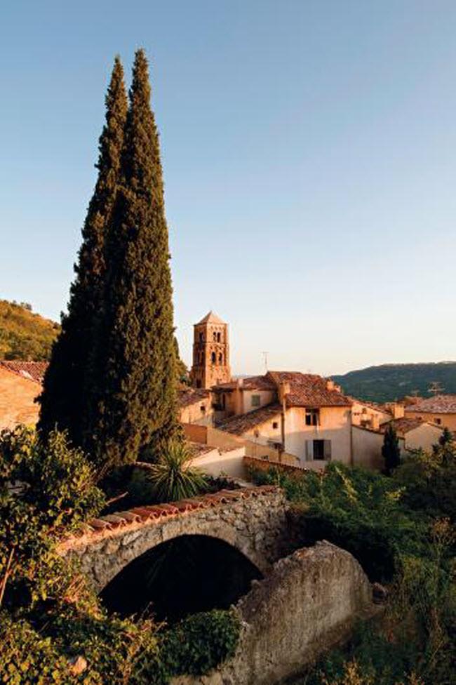 Những ngôi làng huyền bí nằm giữa lòng châu Âu - hình ảnh 6