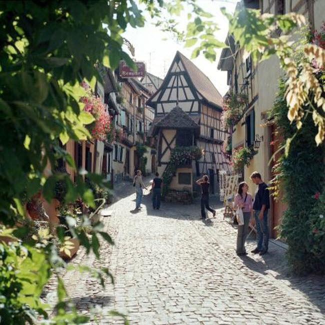 Những ngôi làng huyền bí nằm giữa lòng châu Âu - hình ảnh 7