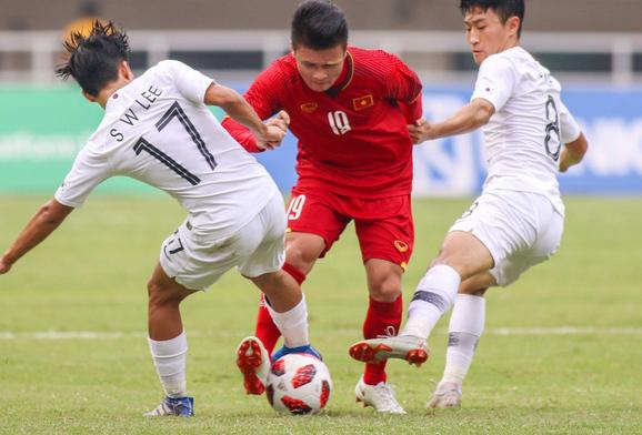 """Quang Hải U23 VN sút hỏng penalty bị """"ném đá"""": Bạn gái Nhật Lê nói gì? - hình ảnh 6"""