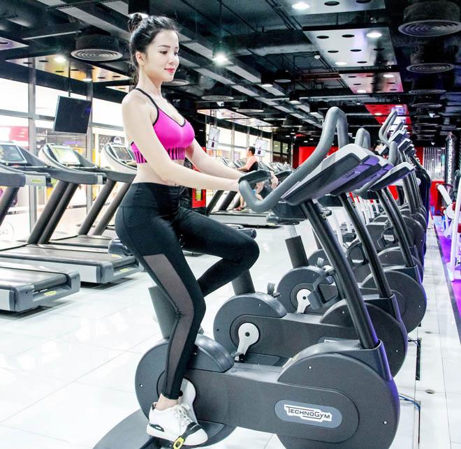 Bí mật body nóng bỏng của Hoa khôi Cần Thơ tỏ tình với Văn Toàn U23 Việt Nam - hình ảnh 3
