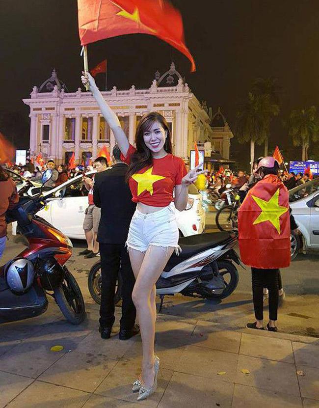 Nữ cổ động viên bóng đá Việt Nam mặc táo bạo chẳng kém ai ở châu Á - hình ảnh 4