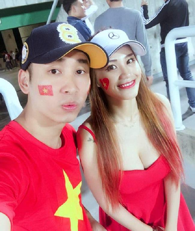 Nữ cổ động viên bóng đá Việt Nam mặc táo bạo chẳng kém ai ở châu Á - hình ảnh 12