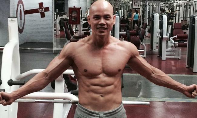 """Mê mệt thân hình """"cực phẩm"""" của Phan Đinh Tùng, Đan Trường ở tuổi 42 - hình ảnh 2"""