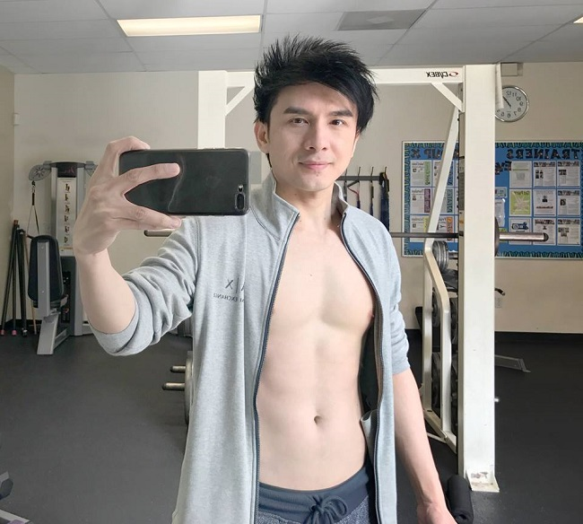 """Mê mệt thân hình """"cực phẩm"""" của Phan Đinh Tùng, Đan Trường ở tuổi 42 - hình ảnh 14"""