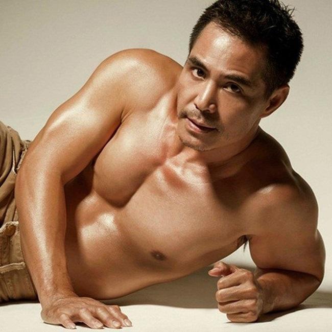 """Mê mệt thân hình """"cực phẩm"""" của Phan Đinh Tùng, Đan Trường ở tuổi 42 - hình ảnh 17"""