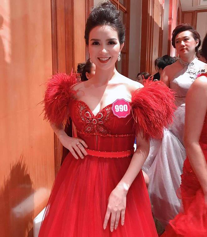 Người đẹp Việt thi chui nhan sắc quốc tế bất chấp bị phạt tiền - hình ảnh 1