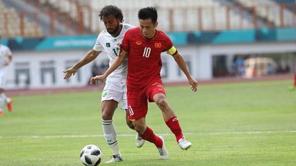 Đội trưởng U23 Việt Nam Văn Quyết đã đi giày của hãng nào trong trận tranh giải 3 ASIAD? - hình ảnh 1