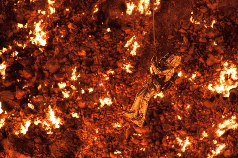 """Hãi hùng lời kể của người đầu tiên thâm nhập """"cổng địa ngục"""" cháy suốt 50 năm - 5"""