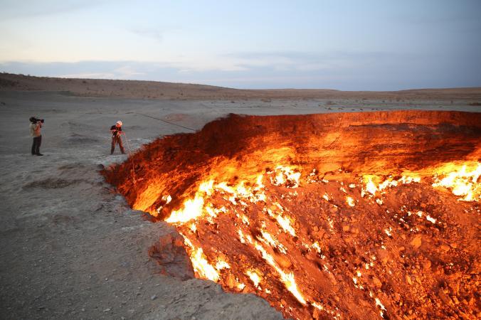 """Hãi hùng lời kể của người đầu tiên thâm nhập """"cổng địa ngục"""" cháy suốt 50 năm - 2"""