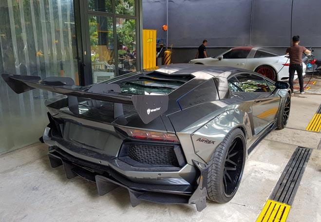 Lamborghini Aventador độ Liberty Walk đầu tiên tại Việt Nam - 6