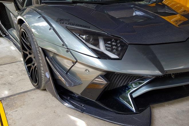 Lamborghini Aventador độ Liberty Walk đầu tiên tại Việt Nam - 3