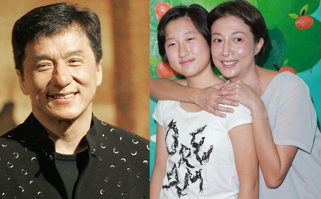 Con gái Thành Long hành động bất ngờ sau scandal nhặt rác kiếm sống - hình ảnh 2