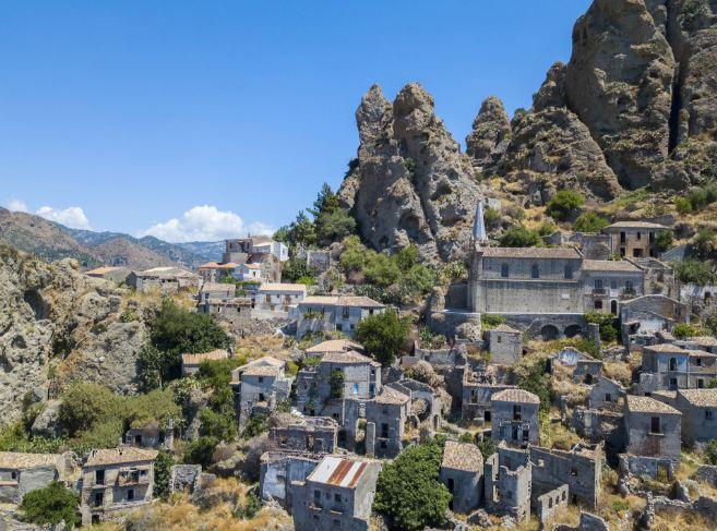 Không ai ngờ những ngôi làng xinh đẹp này lại ẩn chứa nhiều chuyện rùng rợn tới vậy - hình ảnh 6