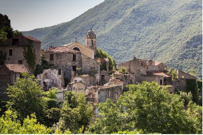 Không ai ngờ những ngôi làng xinh đẹp này lại ẩn chứa nhiều chuyện rùng rợn tới vậy - hình ảnh 3