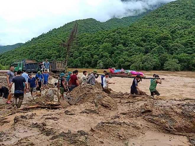 Nóng 24h qua: 30 trẻ bị lạc khỏi gia đình khi đi biển Vũng Tàu - hình ảnh 3