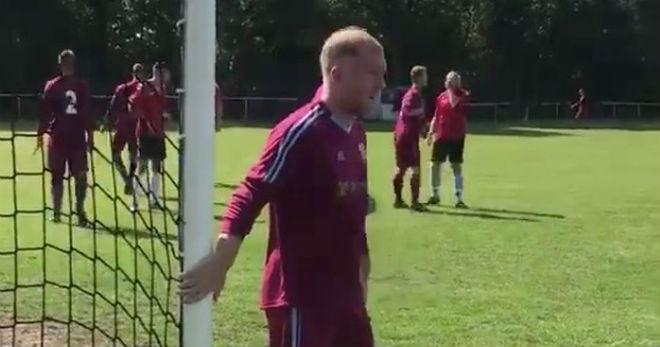 Tin HOT bóng đá sáng 3/9: Huyền thoại MU Paul Scholes trở lại thi đấu - 1