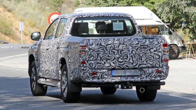 Mitsubishi Triton 2019 lộ hình ảnh chạy thử - 3