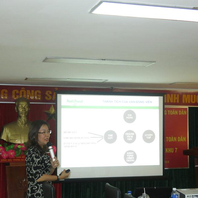 CLB bóng đá Sài Gòn được bác sĩ NutiFood tư vấn dinh dưỡng - 3