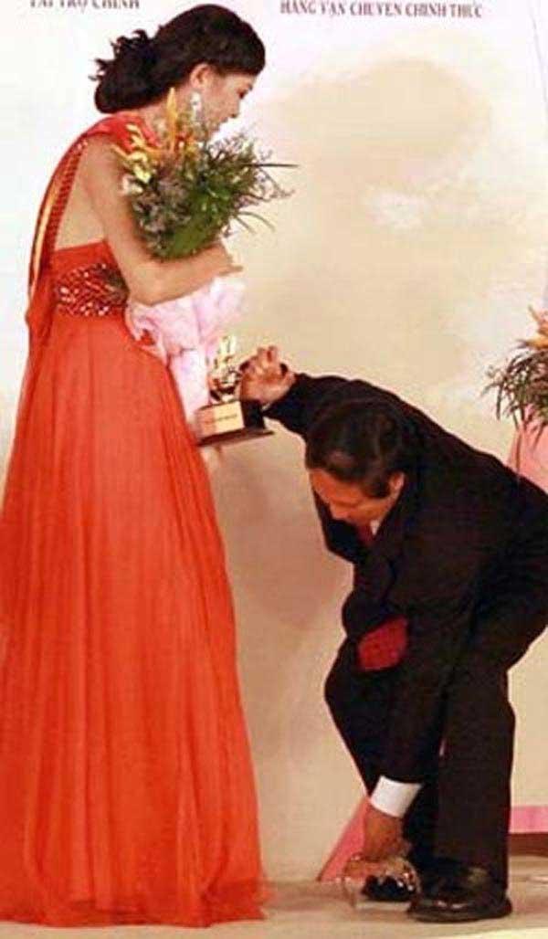 Chuyện ít ai biết về những sự cố rơi vương miện Hoa hậu Việt Nam - hình ảnh 2