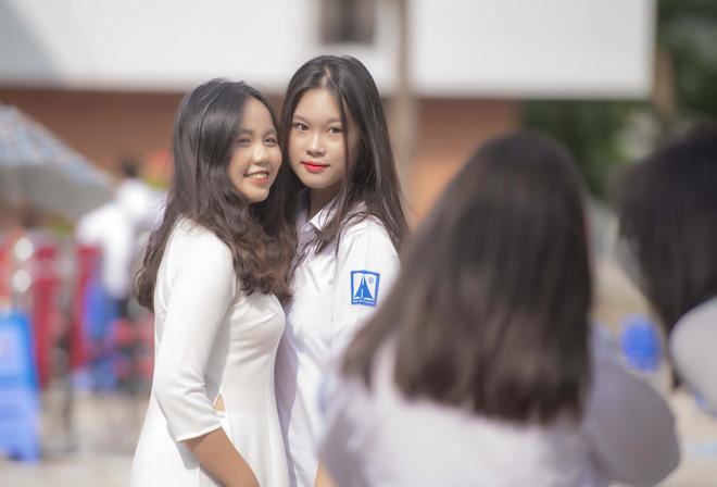 Ngây ngất vẻ đẹp nữ sinh trường Amsterdam trong ngày tựu trường - hình ảnh 10