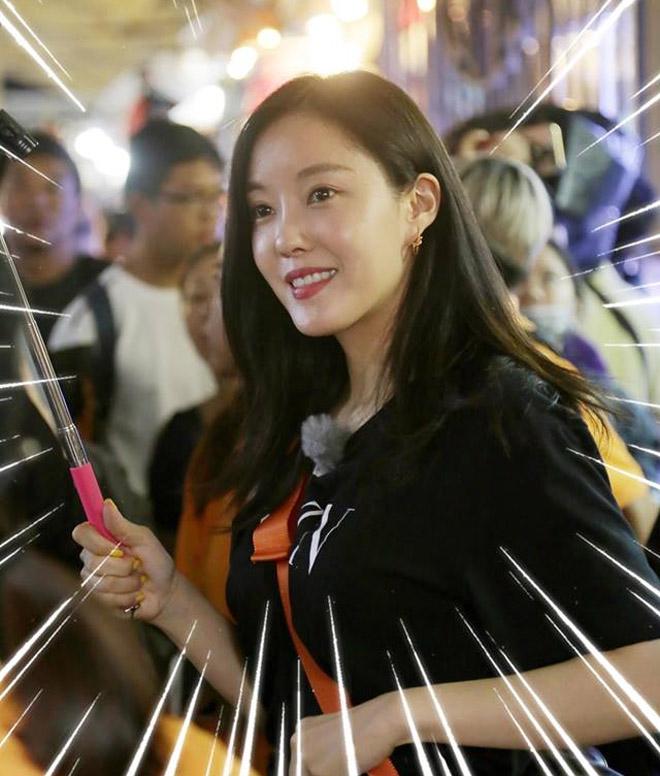 Mỹ nhân T-ara bị chủ shop ở chợ Bến Thành la ó vì hành động này - hình ảnh 1