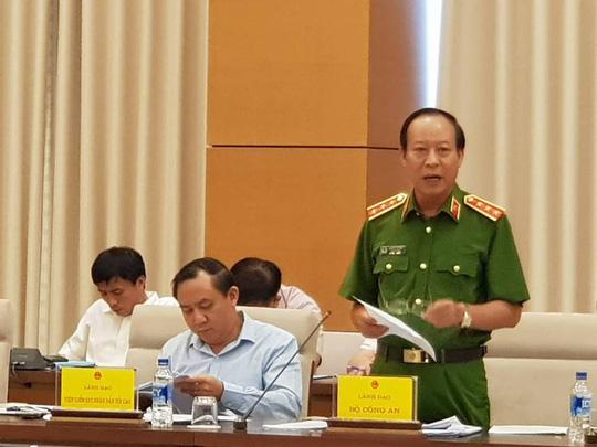Vụ đánh bạc: Chỉ ông Phan Văn Vĩnh và Nguyễn Thanh Hoá trực tiếp tham dự, cấp dưới không biết - hình ảnh 1