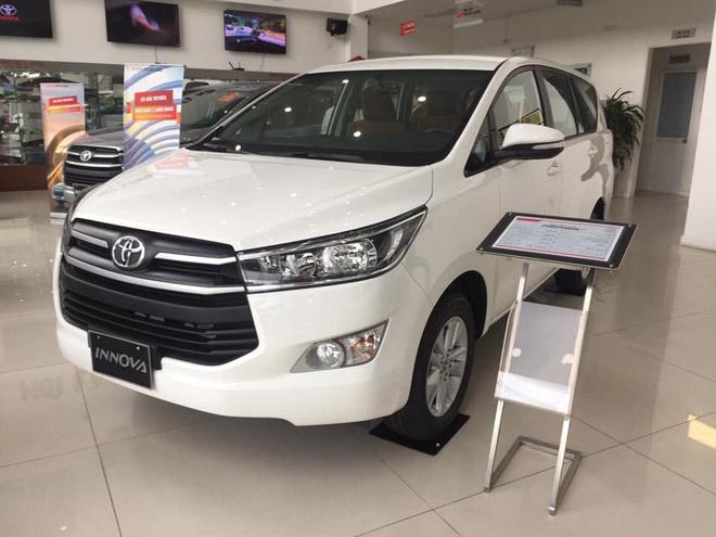 Giá xe Toyota Innova cập nhật tháng 10/2018: Phiên bản đặc biệt Venturer giá từ 855 triệu đồng - 3