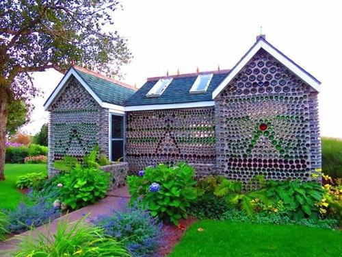 Cận cảnh những tòa nhà đẹp được xây bằng vật liệu tái chế từ rác thải - 3