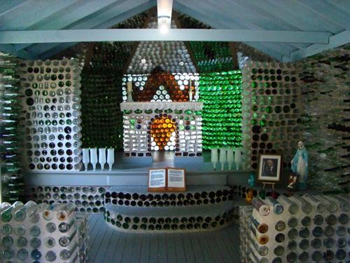 Cận cảnh những tòa nhà đẹp được xây bằng vật liệu tái chế từ rác thải - 4