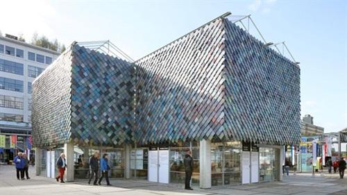 Cận cảnh những tòa nhà đẹp được xây bằng vật liệu tái chế từ rác thải - 7