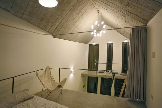Tầng trên là không gian nghỉ ngơi và tiếp khách.