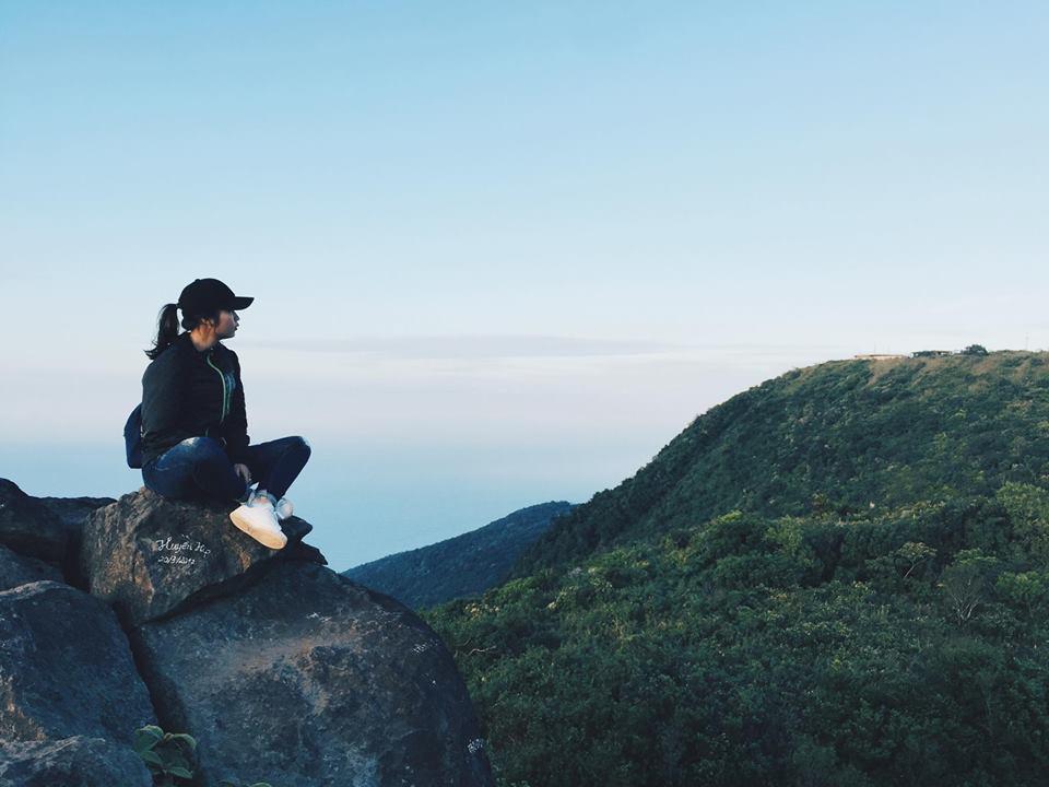 Cuối tuần chưa biết đi đâu, leo đỉnh Bàn Cờ đón gió biển Đà Nẵng - 7