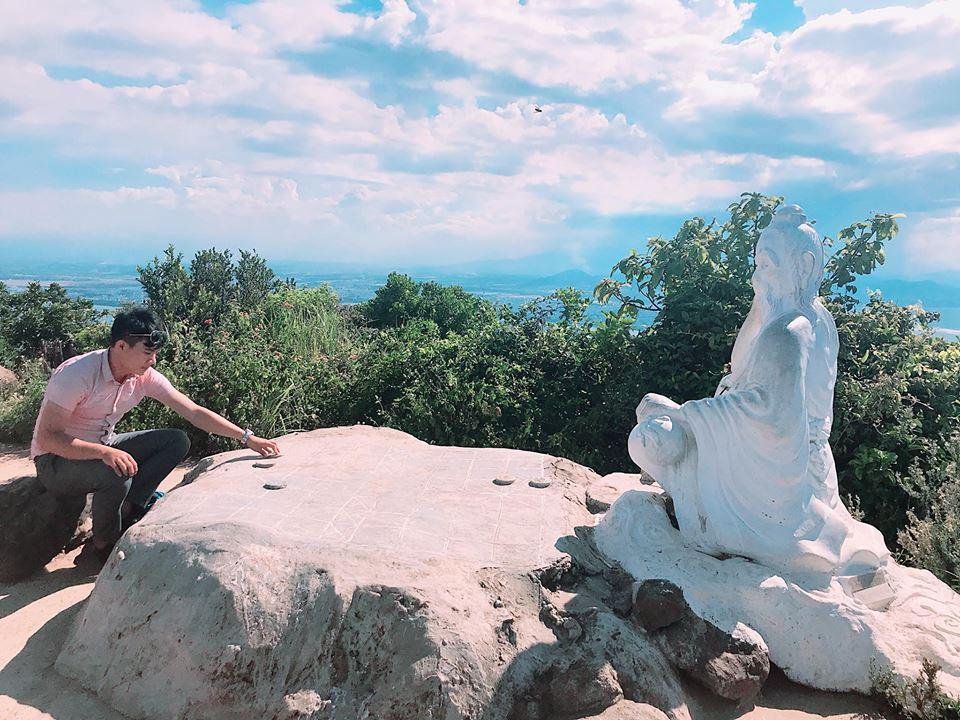 Cuối tuần chưa biết đi đâu, leo đỉnh Bàn Cờ đón gió biển Đà Nẵng - 9