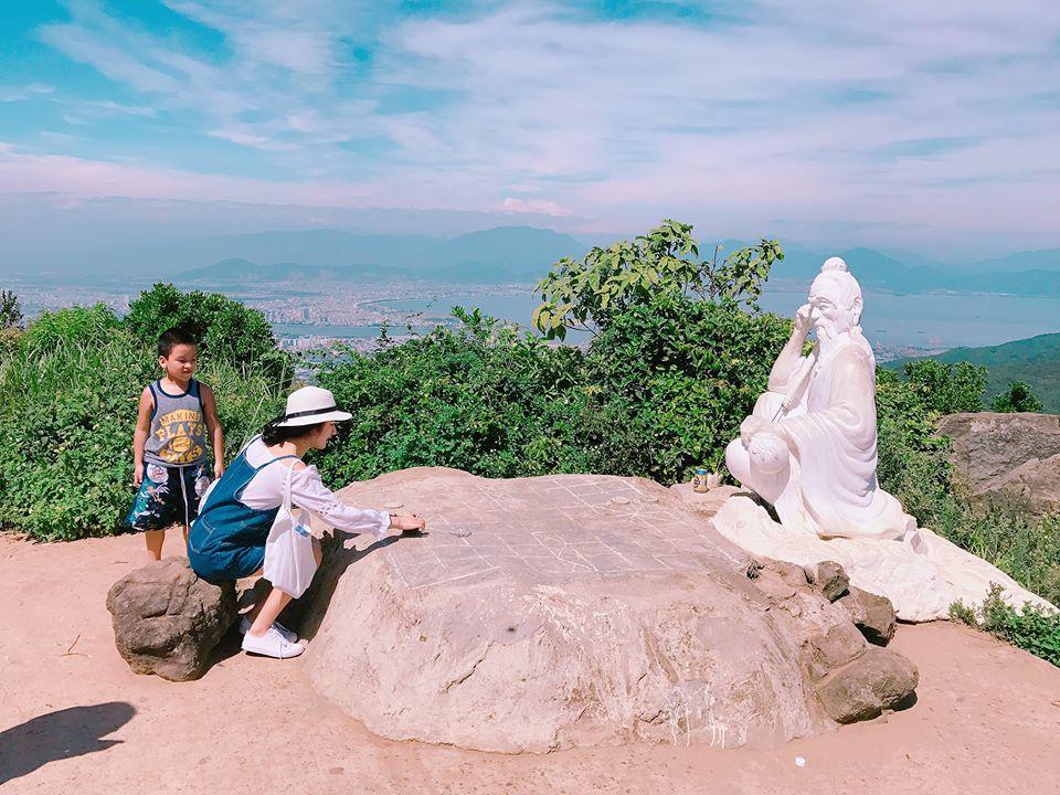 Cuối tuần chưa biết đi đâu, leo đỉnh Bàn Cờ đón gió biển Đà Nẵng - 10