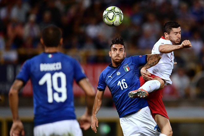 Italia - Ba Lan: Sai lầm hàng thủ, phạt đền cứu nguy - 1