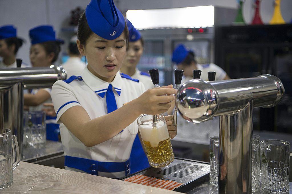 Cuộc sống sang không tưởng của hội con nhà giàu tại Triều Tiên - 3