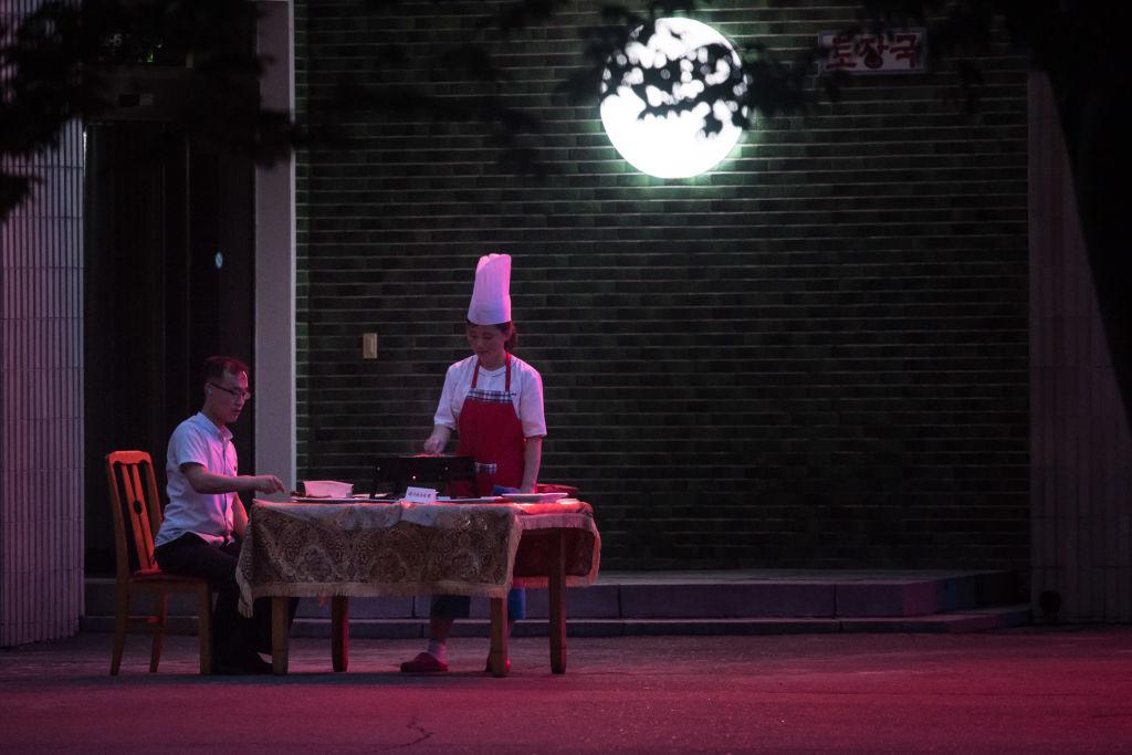 Cuộc sống sang không tưởng của hội con nhà giàu tại Triều Tiên - 4