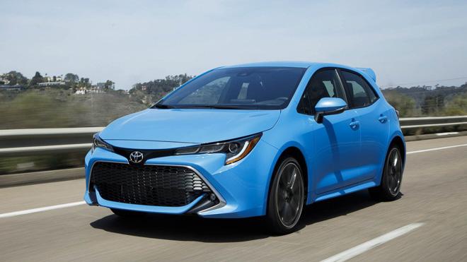 """Doanh số thảm hại, Toyota Auris đổi tên thành """"Corolla"""" để câu khách - 1"""