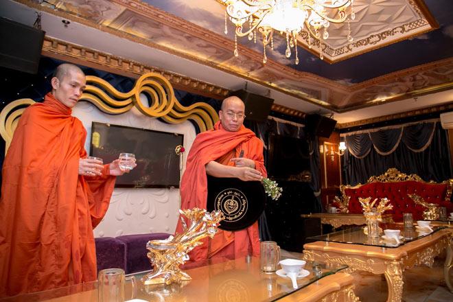 Kingdom: Doanh nghiệp Việt Nam hiếm hoi được ban tặng xá lợi Phật từ vị Tam Tạng thứ 7 của Myanmar - 6