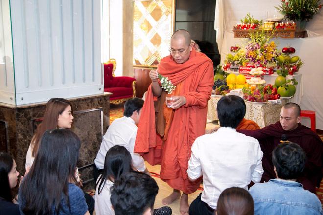 Kingdom: Doanh nghiệp Việt Nam hiếm hoi được ban tặng xá lợi Phật từ vị Tam Tạng thứ 7 của Myanmar - 2