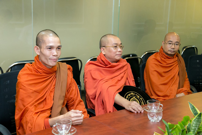 Kingdom: Doanh nghiệp Việt Nam hiếm hoi được ban tặng xá lợi Phật từ vị Tam Tạng thứ 7 của Myanmar - 1
