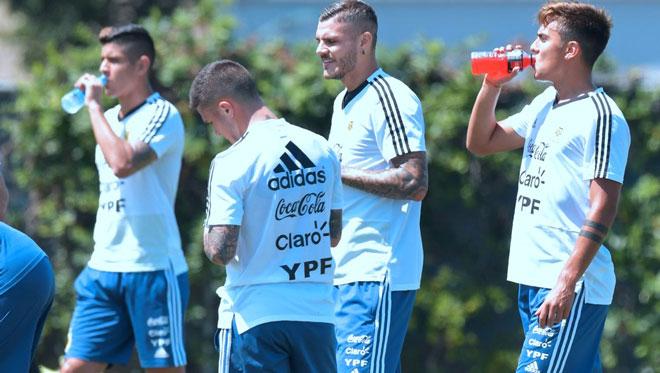 Bi kịch Dybala: Ra rìa vì quá giống Messi, dễ giã từ ở tuổi 25 - 1