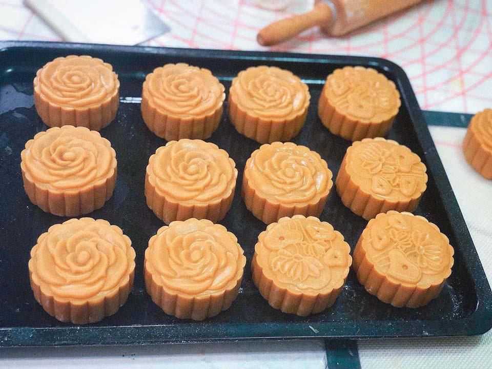 Cách làm bánh trung thu nhân thập cẩm truyền thống - 4