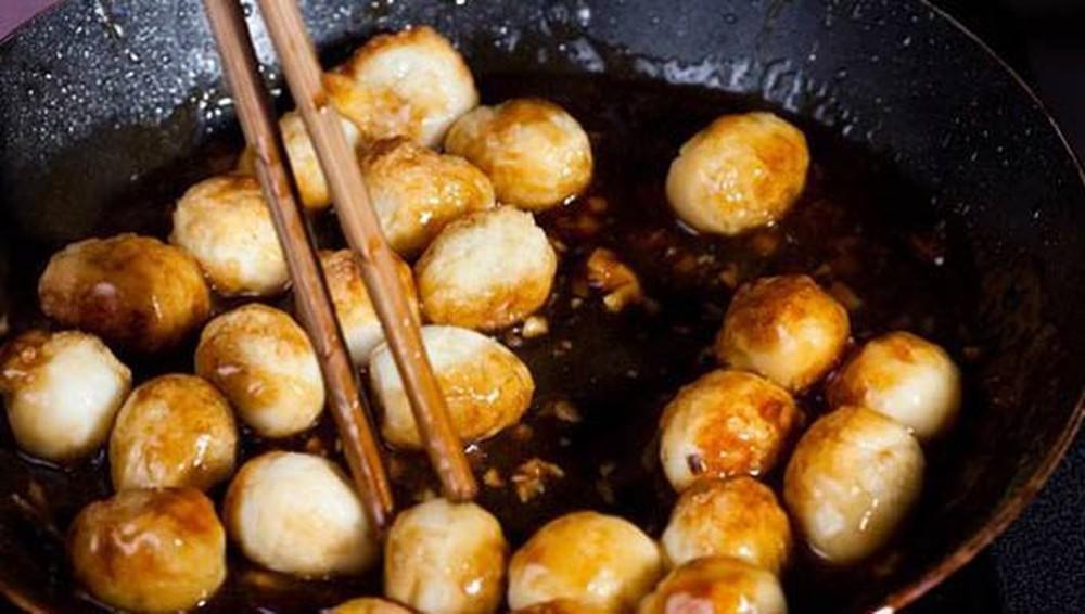 Làm trứng cút rim nước dừa tươi lạ miệng, hút cơm vèo vèo - 4